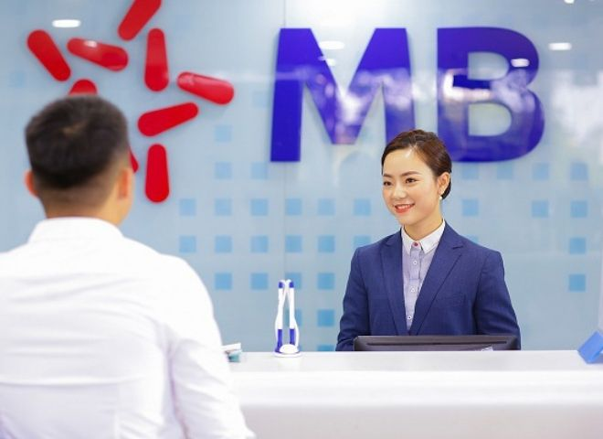 Ngân hàng MB Bank có làm việc vào thứ 7 không?